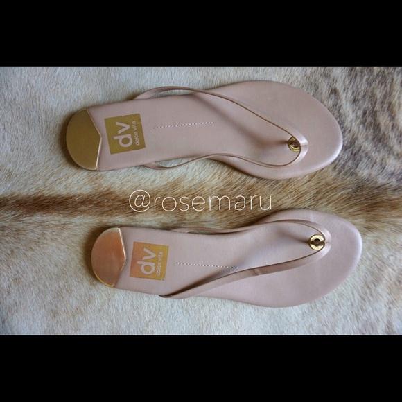 a65022fce6e7 DOLCE VITA dawn thong Sandals NEW IN BOX